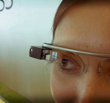 women wearing google glass