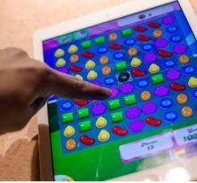 playing candy crush on iPad