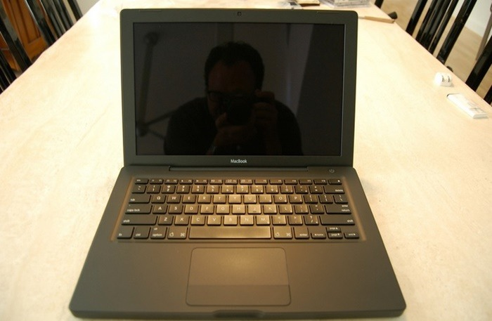 laptop with glossy screen